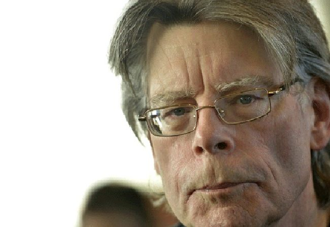 Stephen King salva la sección literaria de un periódico local de EE.UU.
